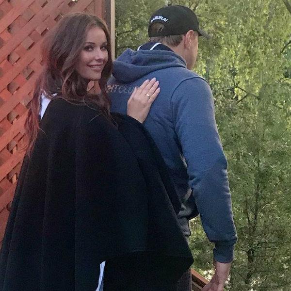 Оксана Федорова опубликовала редкое фото с мужем в годовщину свадьбы