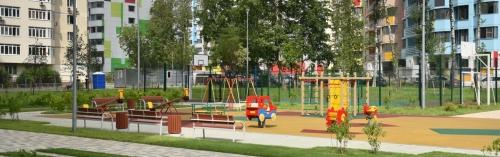Завершается благоустройство территории у стадиона в Щербинке