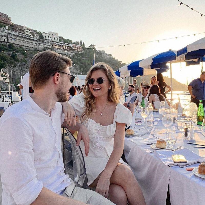 Для гостей на свадьбе Регины Тодоренко и Влада Топалова был предусмотрен строгий дресс-код